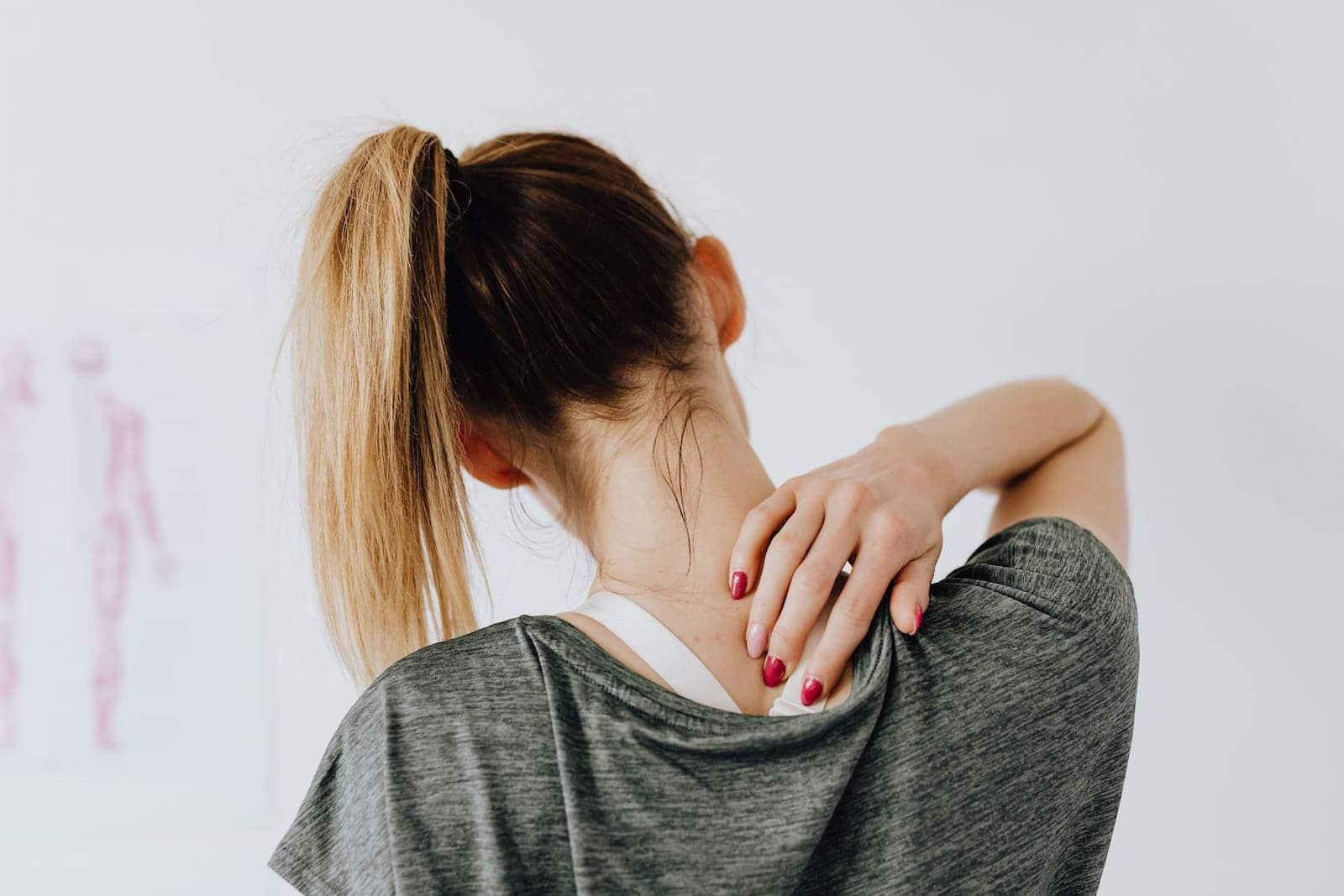 Dolor escapular y dorsal en pacientes jóvenes